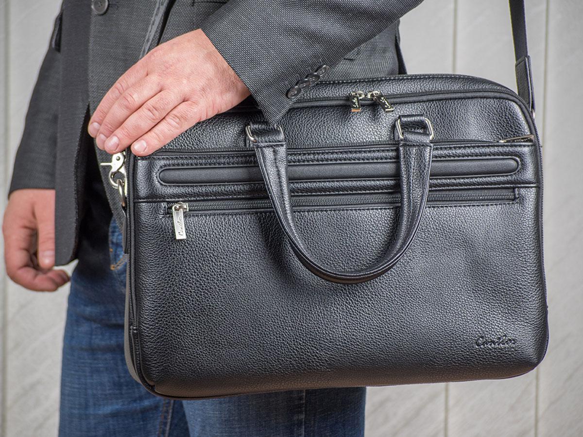 Предметная фотосъемка мужских сумок